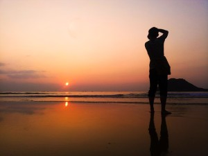 waiting-for-sunset-673091_640